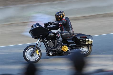 Here's How an Indian Challenger Beat a Pack of Harleys to