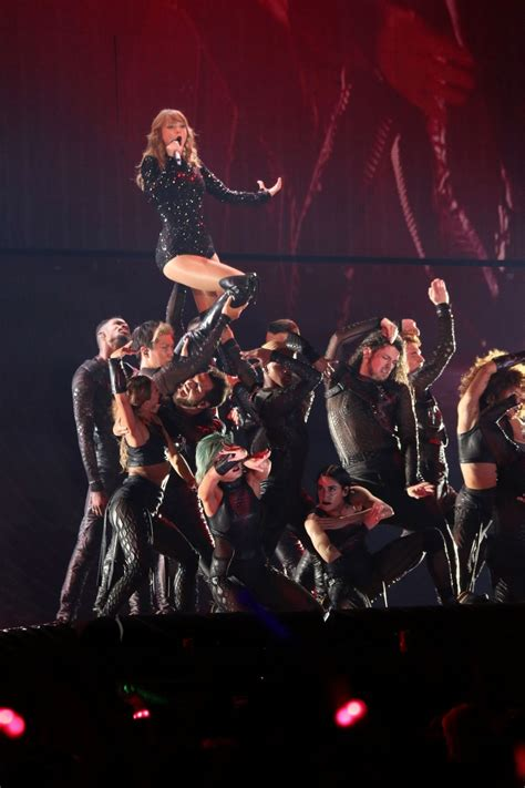 Taylor Swift – Performs during Reputation Stadium Tour in