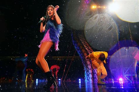 Taylor Swift - Performs during Reputation Stadium Tour in