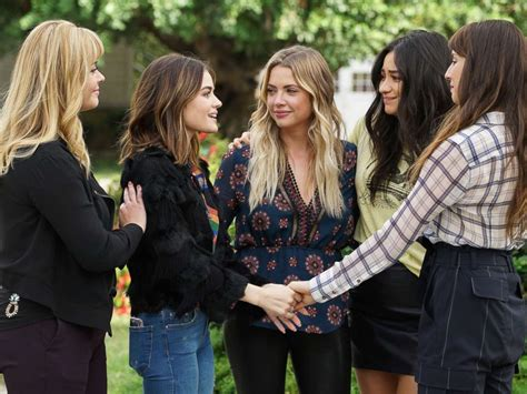 'Pretty Little Liars' series finale recap: Who is AD, who
