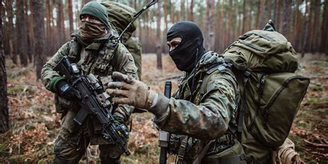 German Long Range Recon Troopers during Exercise [1200x600